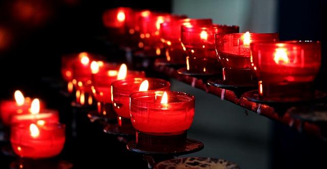 5 rodzajów świec, które ozdobią każde wnętrze