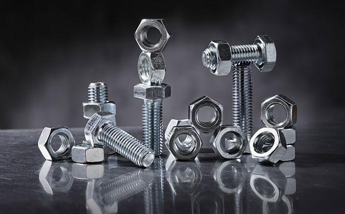 Jakie śruby ze stali nierdzewnych są często używane?
