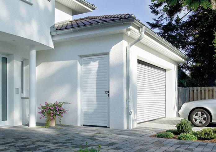 Jak otworzyć bramę garażową bez prądu?