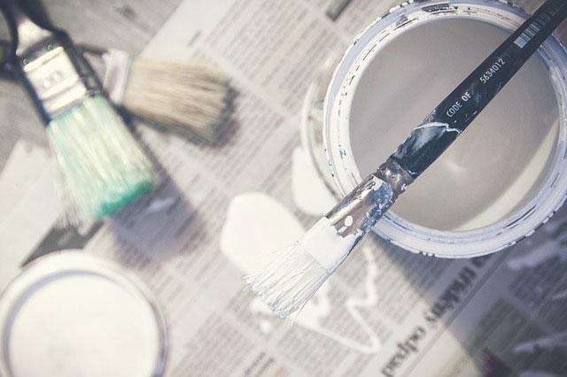 Na co zwracać uwagę przy malowaniu pomieszczeń?