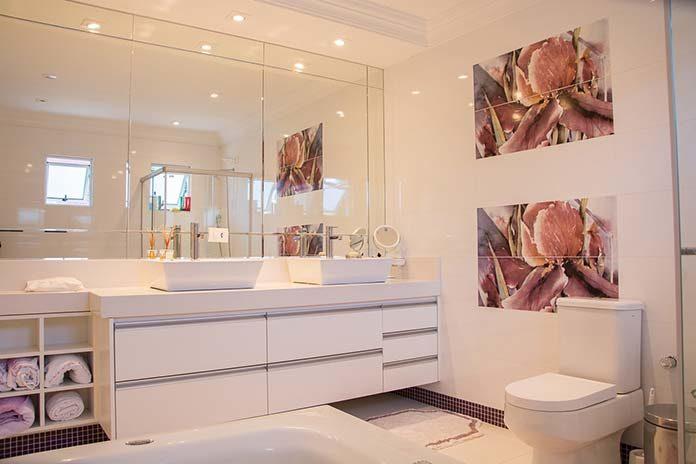 Nowoczesne oświetlenie w łazience. Co warto wybrać?